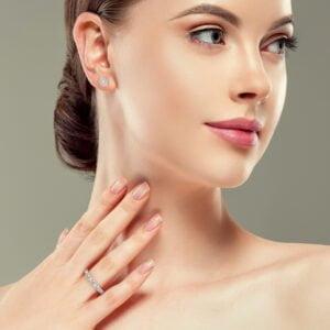 Inel din aur cu diamante inima heartshaped diamante sintetice labgrown aur alb3